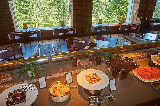 北海道・ヒルトンニセコビレッジは、食事利用で絶景温泉が無料!