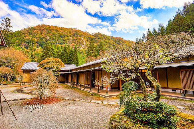 深耶馬渓の絶景を一望する!オーベルジュ楓乃木は敷地内の紅葉も美しい