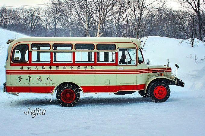 日本で唯一!松川温泉「峡雲荘」はボンネットバスが発着