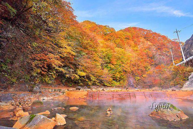 尻焼温泉の紅葉露天風呂は早朝に行こう!