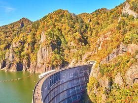 北海道・豊平峡の紅葉ベスト5!電気バスや徒歩でダム湖の紅葉狩り