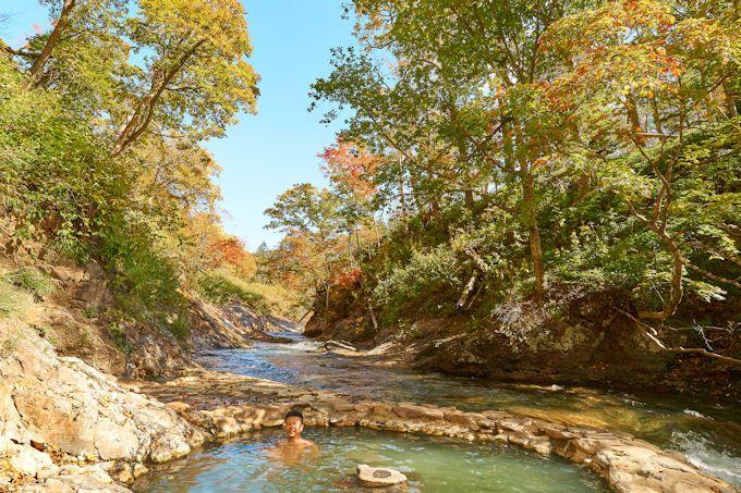 然別峡温泉の露天風呂「鹿の湯」で紅葉狩り!