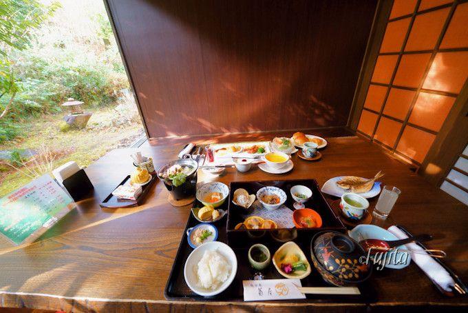 「湯回廊 菊屋」の夕食はチョイス料理が充実!