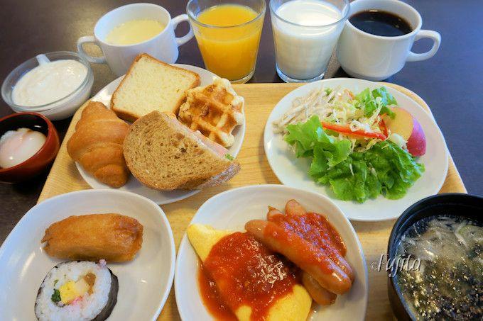 リーズナブルで充実の朝食!