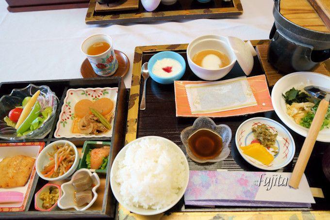 本格的な寿司を含む懐石料理が美味!