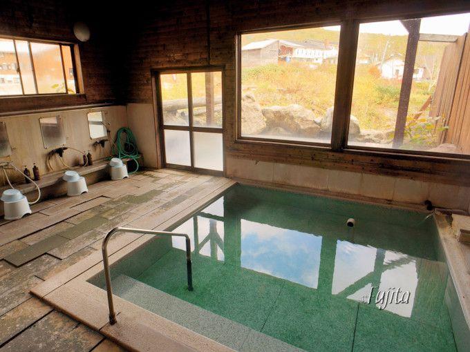 五色温泉別館の露天風呂でも紅葉狩り可能!