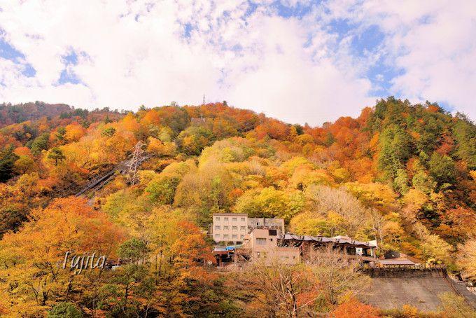 黒部峡谷鉄道欅平駅の紅葉が美しい!