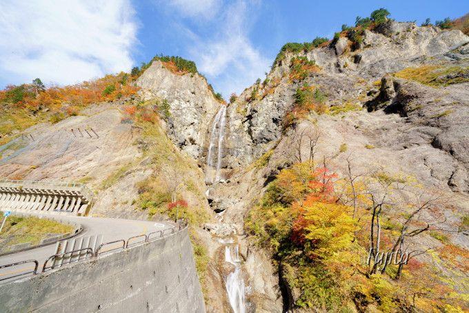 「ふくべの大滝」の紅葉も必見!