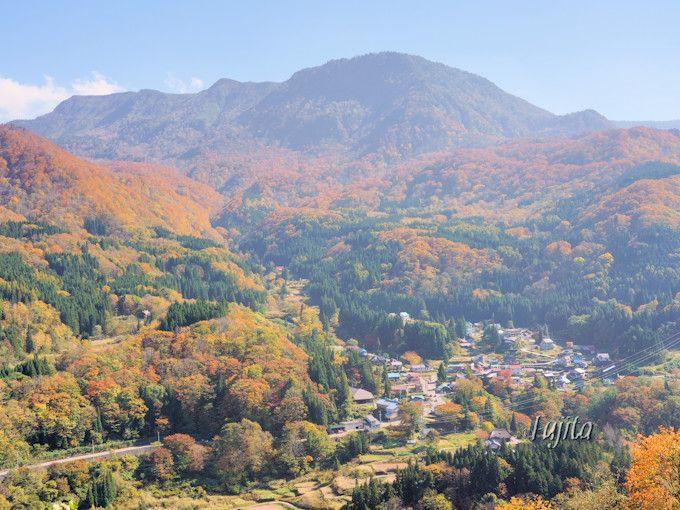 小赤沢集落の紅葉は午後がおすすめ!