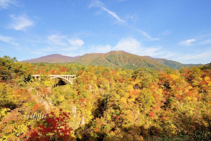 鳴子峡の紅葉は早朝がおすすめ!宮城・鳴子温泉郷で紅葉狩り