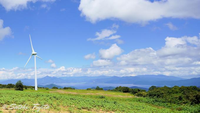 標高1000mの高原から猪苗代湖を一望!