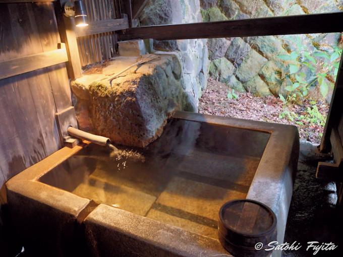 「大湯 金泉堂」など、他の温泉浴場も秀逸な風情