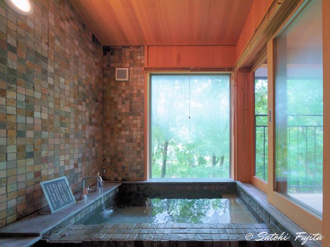 家族湯と客室風呂で湯布院温泉を満喫!
