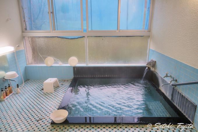 24時間入れる内湯の泉質が素晴らしい!