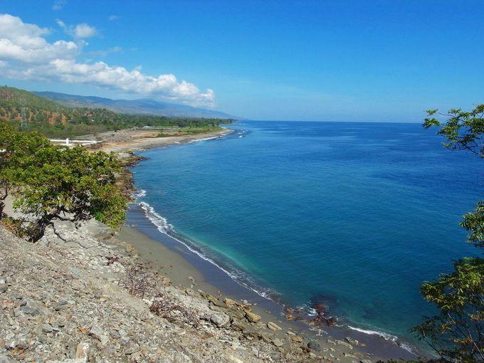 国をぐるりと取り囲む美しい海岸線は必見!