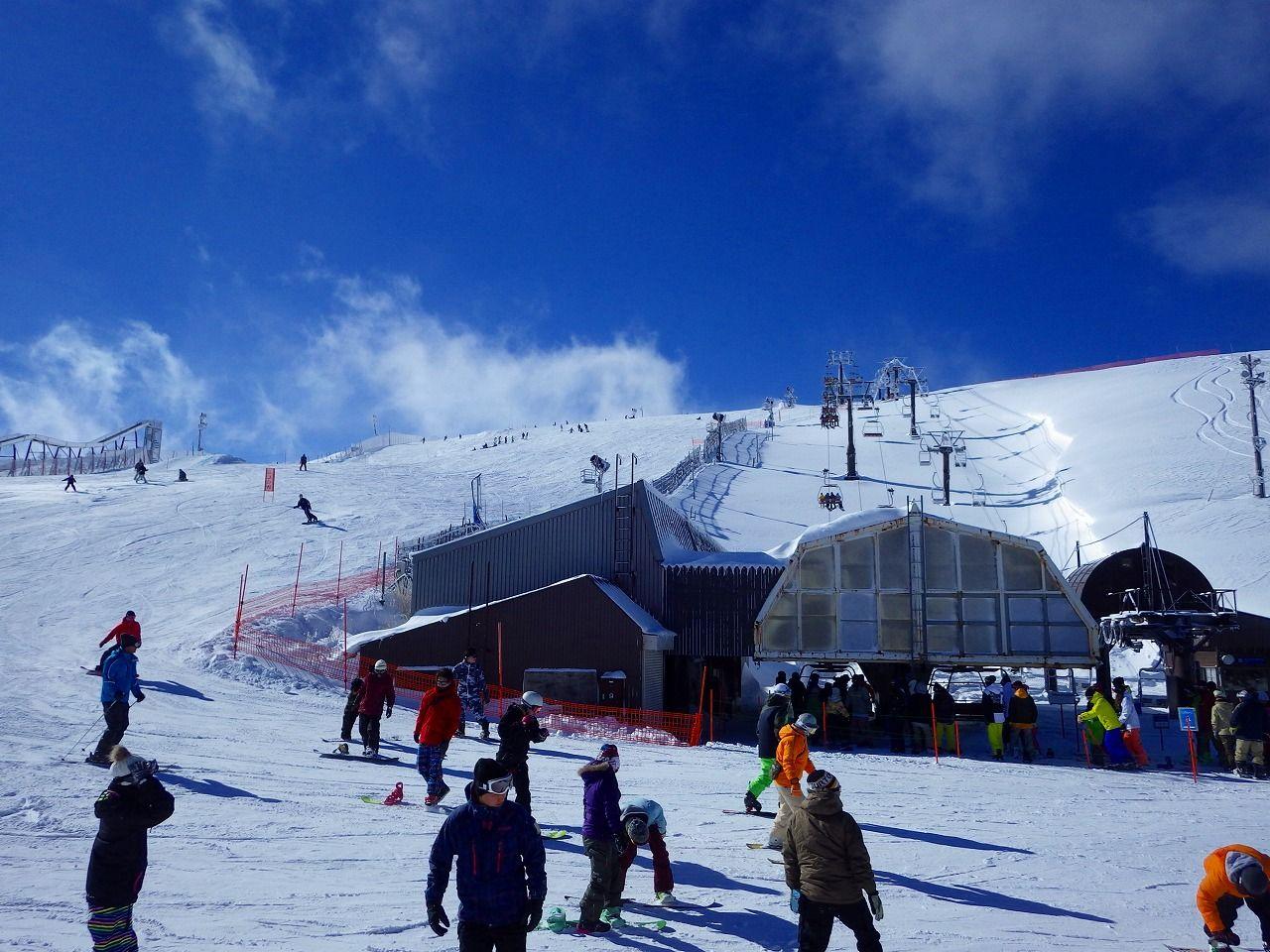 山頂までお手軽アクセスも可能。ロープウェーは冬季も営業!
