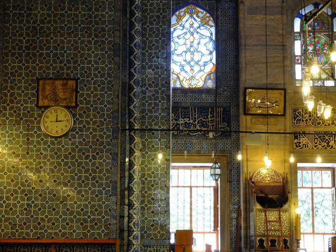 教会にも寺院にもない魅力のモスク巡り