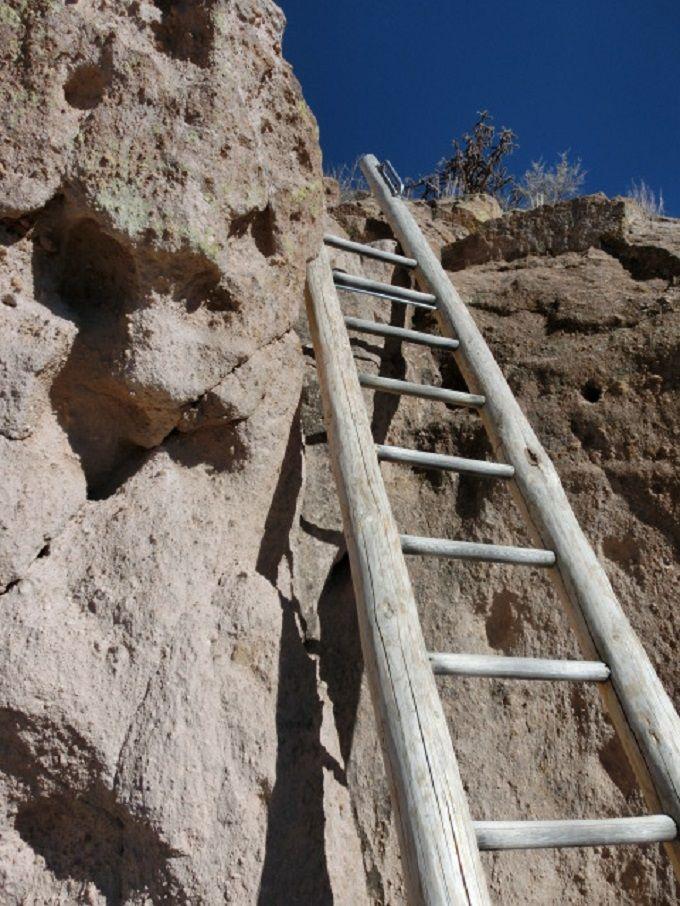 さらに梯子を上って頂上を目指す!
