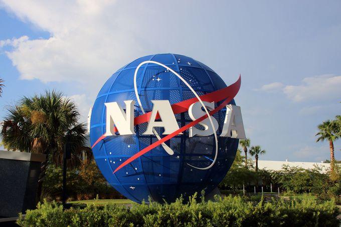 宇宙の思い出にNASAのロゴ商品はいかが?