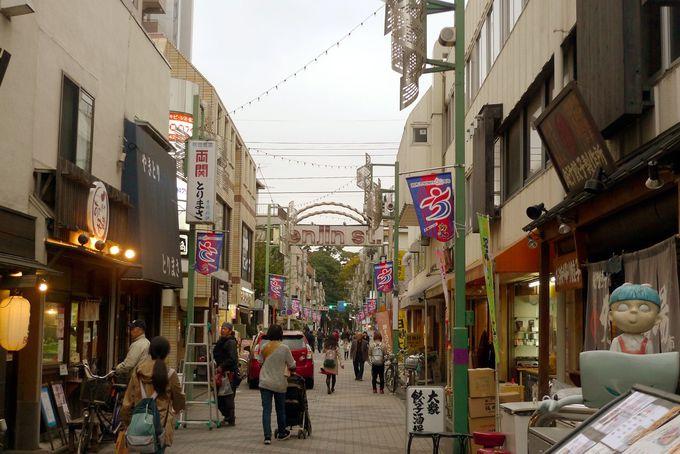 妖怪が潜む商店街を散策!