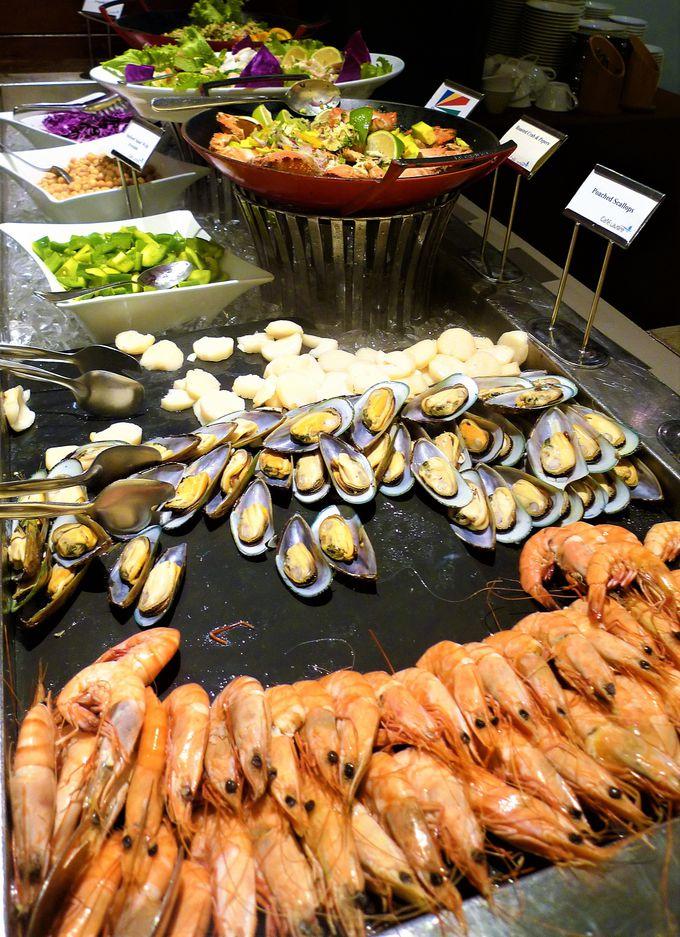 本格的な寿司や刺身も!