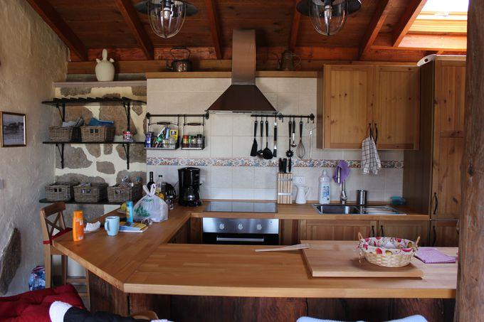 明るいオープンなキッチン
