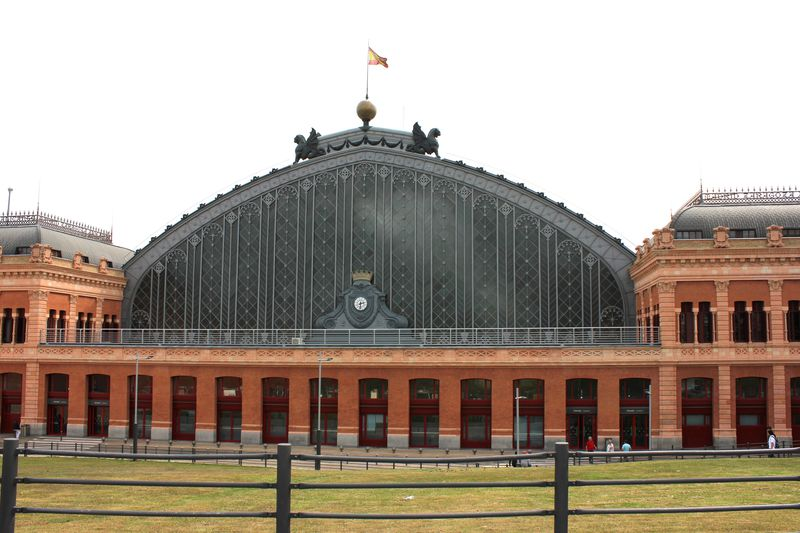 スペイン鉄道周遊旅行はマドリッドのアトーチャ駅から!