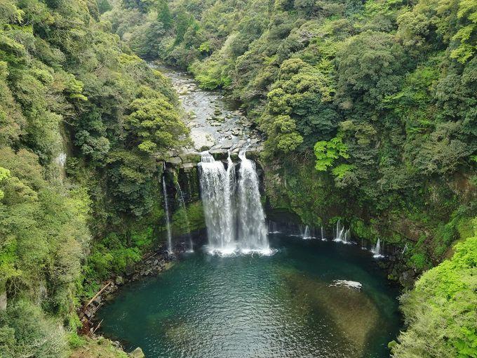 大橋の上から臨む神川大滝は絶景!