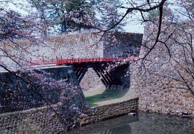 中心部に迫った敵の望みを絶つ「廊下橋」