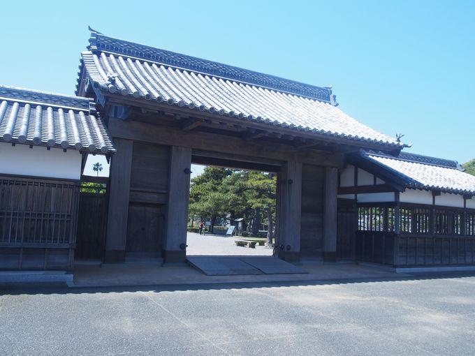 徳島城唯一の再建建築物「鷲ノ門」