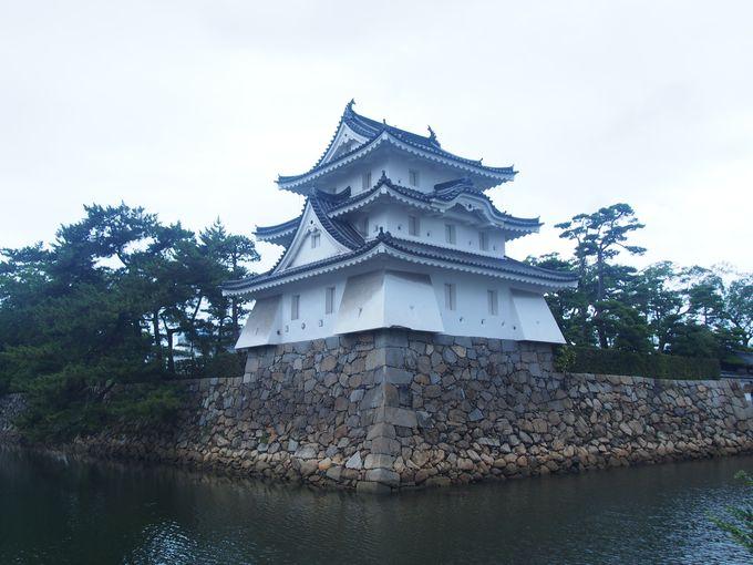 現在の高松城の象徴「艮櫓」