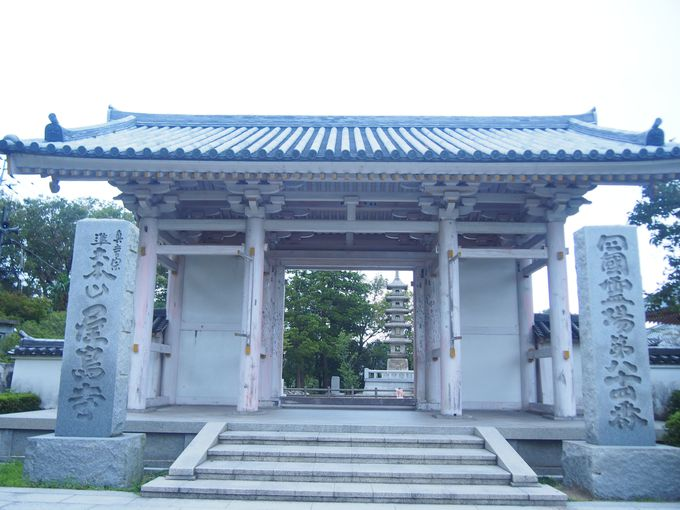 その場所は、屋島寺の先にあります