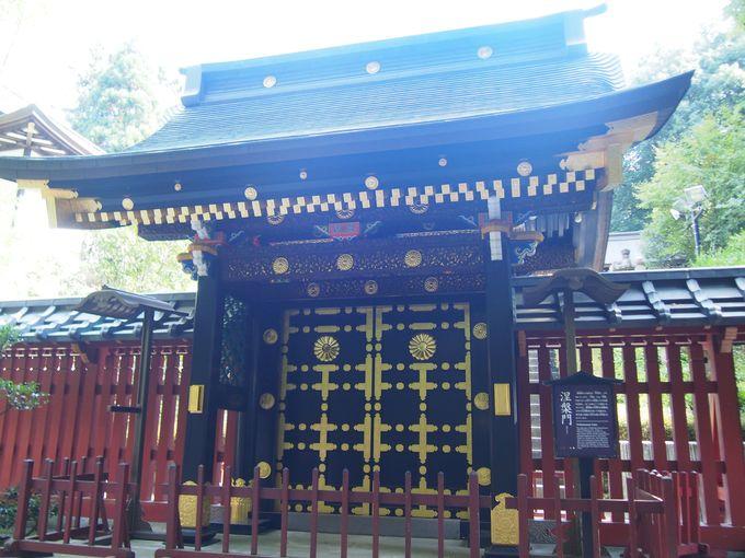 豪華な瑞鳳殿への門「涅槃門」