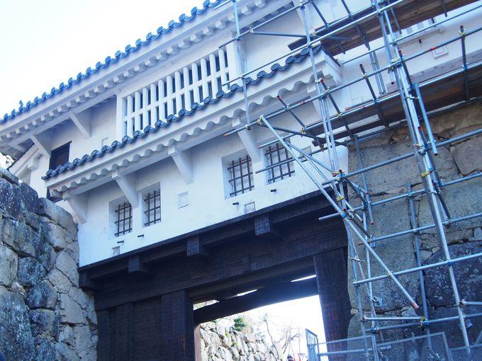 姫路城随一の堅牢さを誇る「ぬの門」