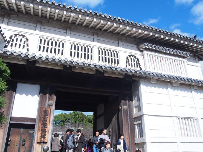 姫路城最大の櫓門「菱の門」
