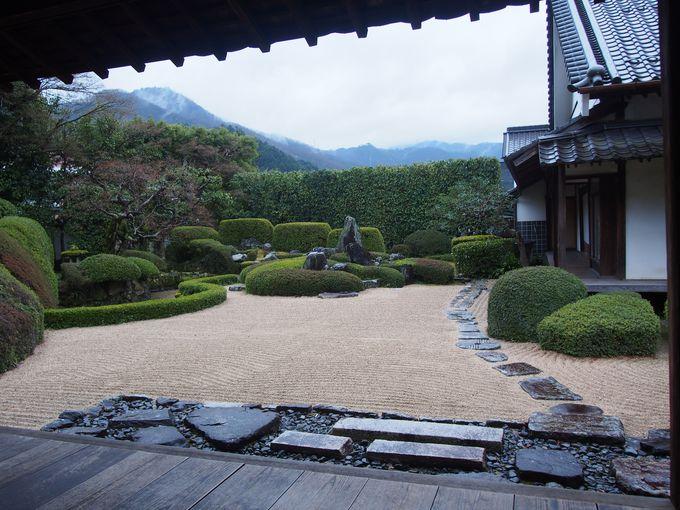 小堀遠州作庭の見事な庭園「頼久寺」