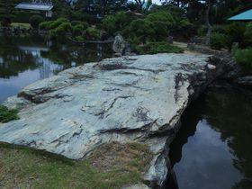紀州路、豪壮な池泉庭園を歩く〜琴ノ浦温山荘園〜