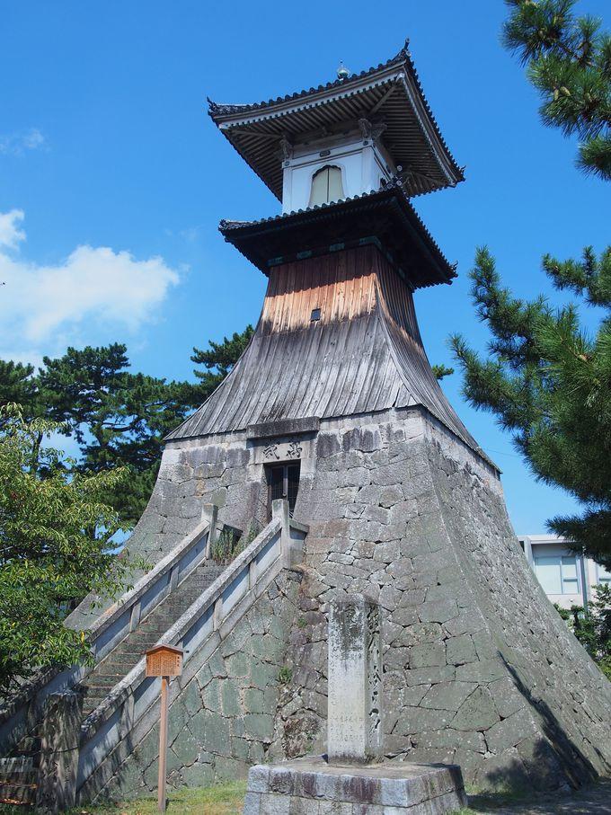 寄進された日本一高い木造灯籠「高灯籠」