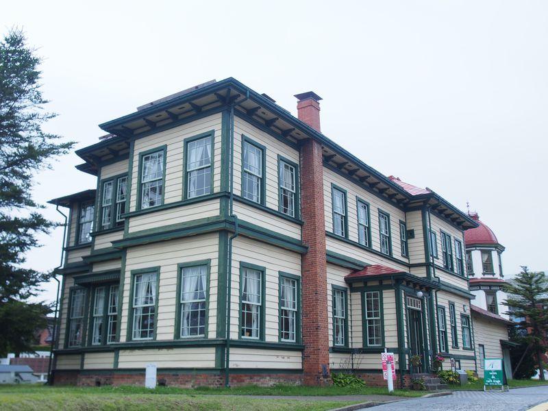 温かみある空間を内包する「旧東奥義塾外人教師館」