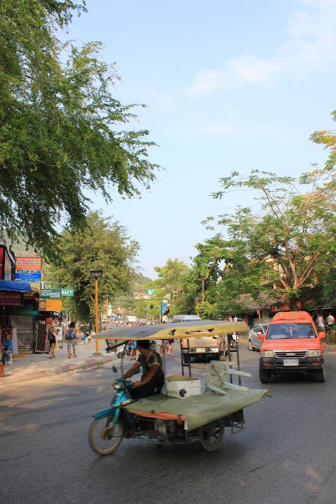 タイの交通ルールなど