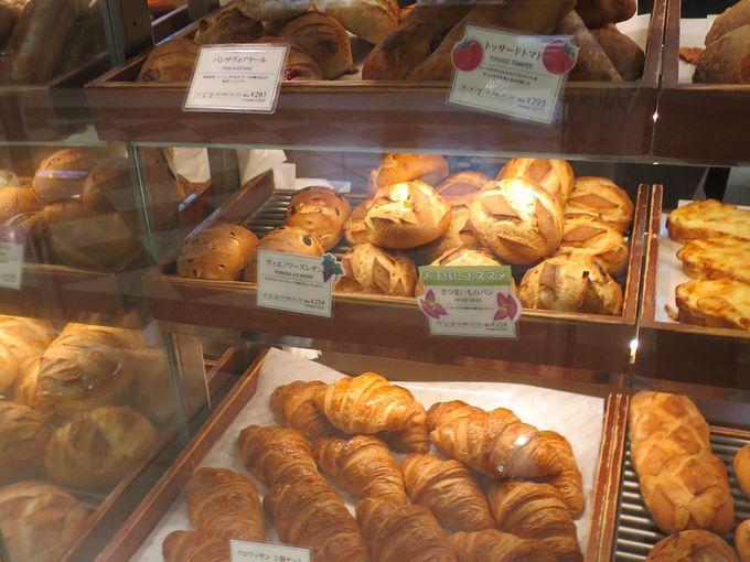 ハード系のパンが豊富!一番人気はサックサクのクロワッサン!!