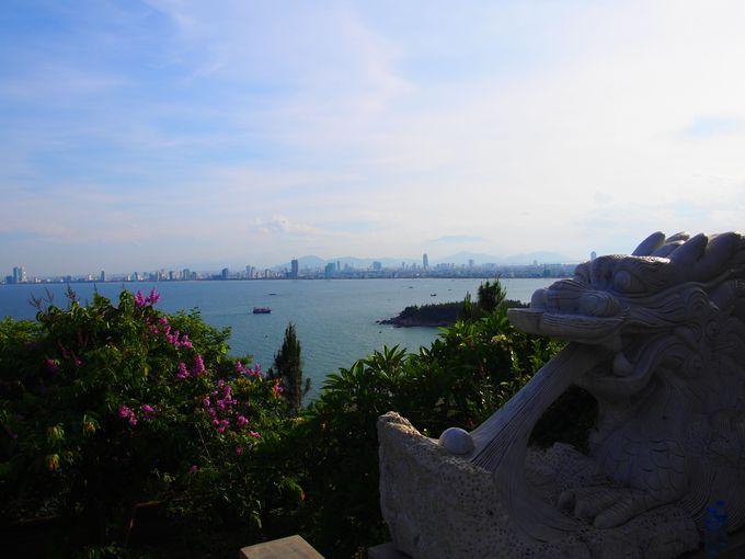 青い海とダナン市街を一望!絶景を楽しもう
