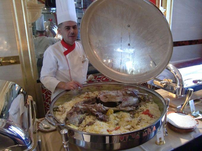 ビュッフェスタイルのアラビア料理アル・イワン(Al Iwan)