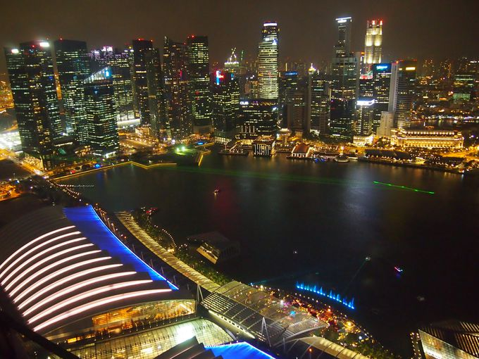 マリーナ・ベイサンズの屋上からの最高の夜景を楽しむ!
