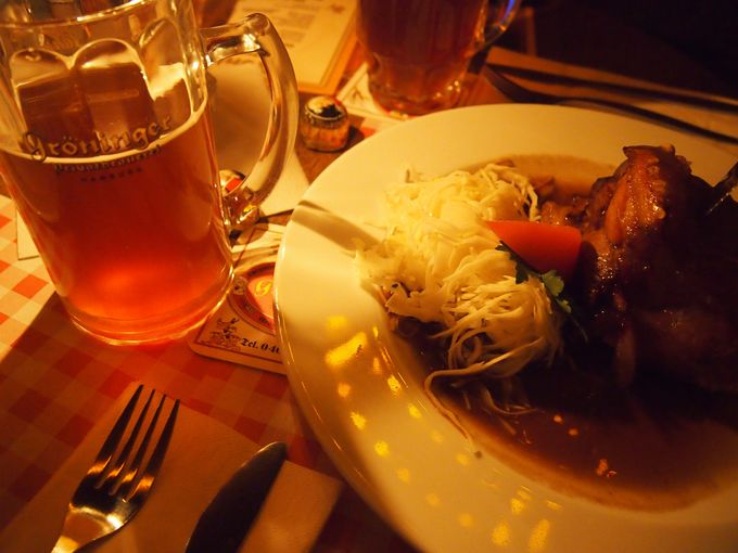 ドイツ民謡を聞きながらオリジナルビールはいかが?