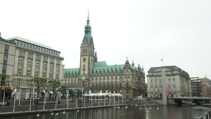 ハンブルグの象徴、市庁舎