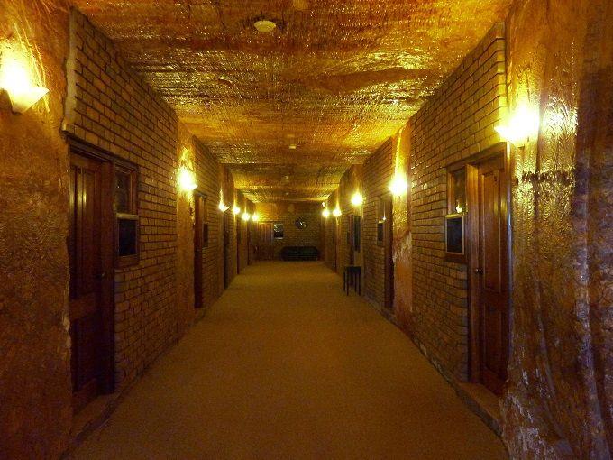 いざ、「洞窟ホテル」へ潜入!