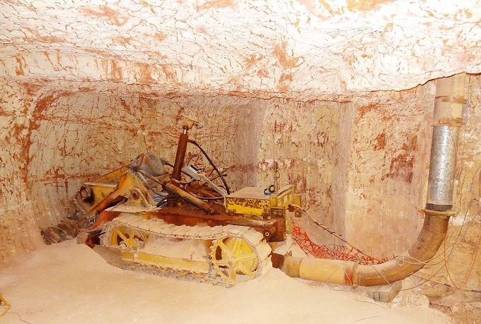 採掘場の地下を見学!