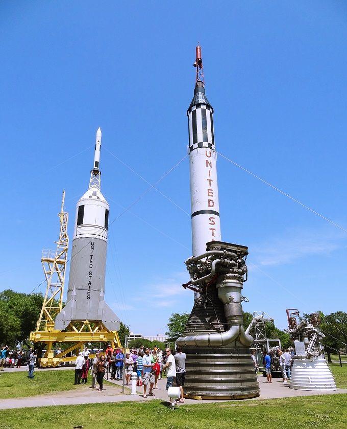 宇宙の大きさを、ロケットに触れて実感!