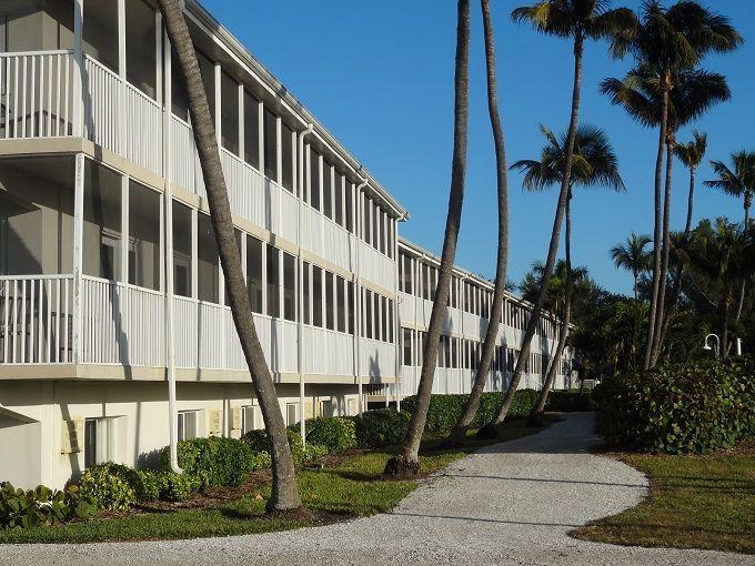 15マイルのシェルビーチに佇む白亜のホテル